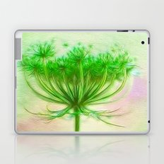 Queen Anne lace Laptop & iPad Skin