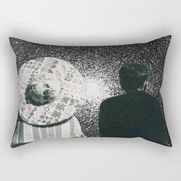 Il regarde ailleurs Rectangular Pillow