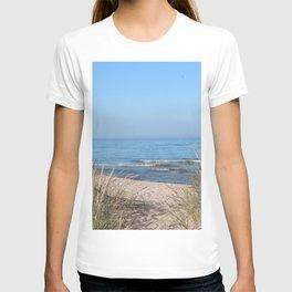 Relaxing at the beach T-shirt