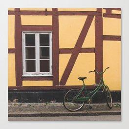 Urban way Canvas Print