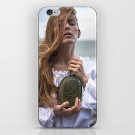 Don't Give up the Ship iPhone Skin