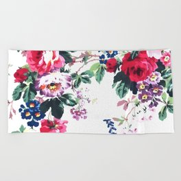 Bouquets with roses Beach Towel