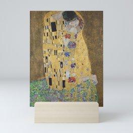 Gustav Klimt, The Kiss (Lovers), 1908 - Reproduction under Belvedere, Vienna, Creative Commons License CC BY-SA 4.0 Mini Art Print