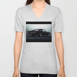 CLASSIC MUSCLE CAR IN BLACK DURING FOG Unisex V-Neck