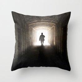 An unexpected guest Throw Pillow