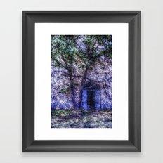 Le portail bleu Framed Art Print