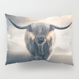 highland cattle scotland Pillow Sham