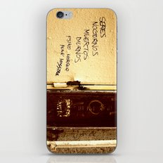 Palabras en la calle  iPhone & iPod Skin