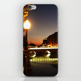 Sobre el puente iPhone Skin