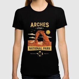 Arches National Park Vintage Utah T Shirt  T-shirt
