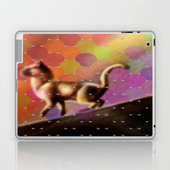 Cat on a tin roof Laptop & iPad Skin