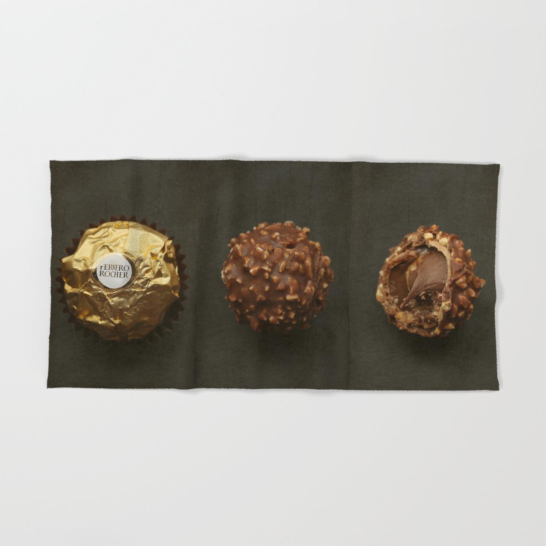 ferrero-rocher-chocolates-bath-towels.jp