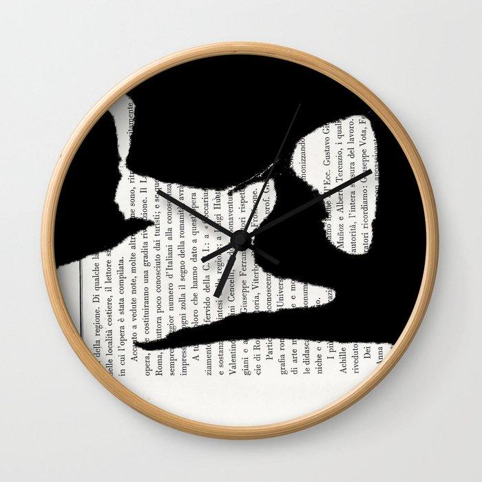 Coricata nera Wall Clock