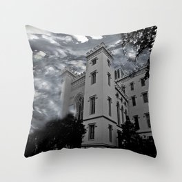 LOUISIANA ARCHITECTURE Throw Pillow
