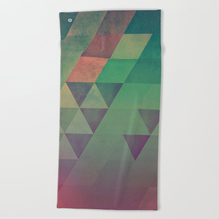 Yndyffyrynz Beach Towel