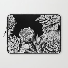 FLOWERS IN BLACK AND WHITE Laptop Sleeve