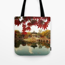 Autumn Gyeongbokgung palace, Seoul, Korea Tote Bag