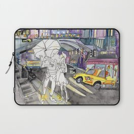 Kissing in New York City Laptop Sleeve