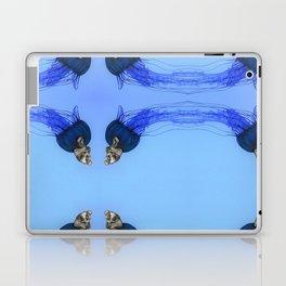 El pensador es impulsado por un vortex. Laptop & iPad Skin