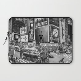 Times Square II (B&W widescreen) Laptop Sleeve