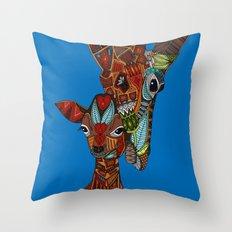 giraffe love blue Throw Pillow