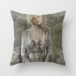Сastles of my dreams Throw Pillow