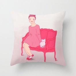 Fröken Saudade Throw Pillow