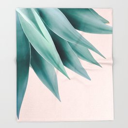 Agave flare Throw Blanket