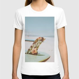 lets surf xxxviii / honolulu, hawaii T-shirt