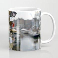 Lovers locks Mug
