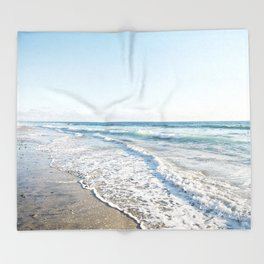 San Diego Waves Throw Blanket