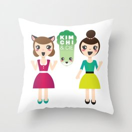 Alexandra et Kim! Throw Pillow