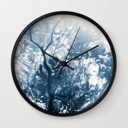 lago de la luz Wall Clock