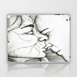 Kiss on the nose Laptop & iPad Skin