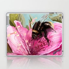 Bee on flower 17 Laptop & iPad Skin