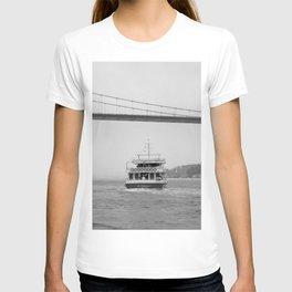 fishing on the bosphorus T-shirt