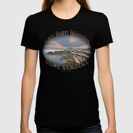 LONE SEA GULL IN THE SAN JUAN ISLANDS T-shirt