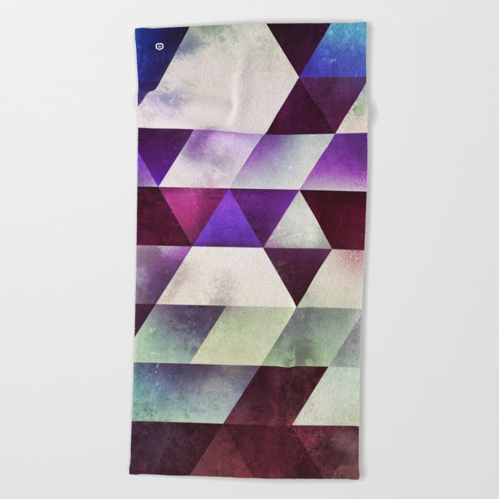 myll fyll Beach Towel