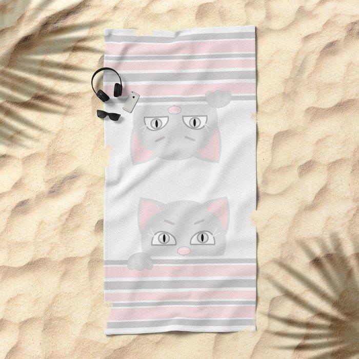 Small kitten. Beach Towel