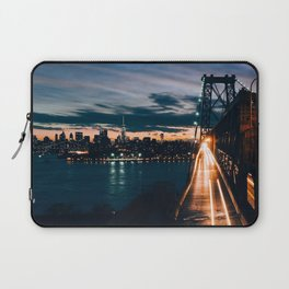 One second in life of Williamsburg Bridge Laptop Sleeve