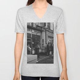 Rue des Rosiers, in het centrum van de Joodse wijk Le Marais, Bestanddeelnr 254 0552 Unisex V-Neck
