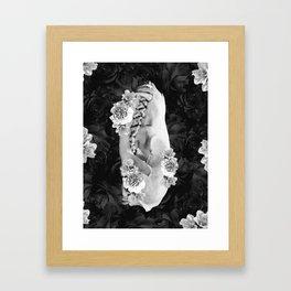 fox skull Framed Art Print
