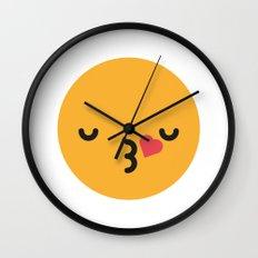 Emojis: Kiss Wall Clock