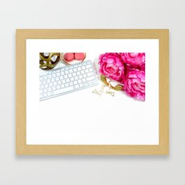 Hues of Design - 1025 Framed Art Print
