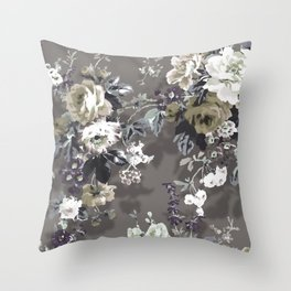 Bouquets with roses 8 Throw Pillow