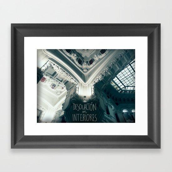 Desolación en interiores Framed Art Print