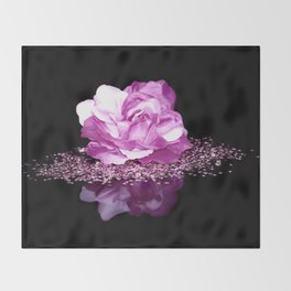 Flower reflexion Throw Blanket