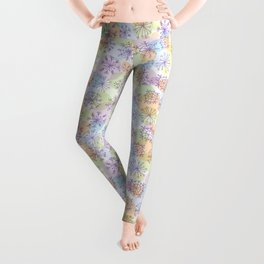 Merry Christmas pattern with purple snowflakes on light background Leggings