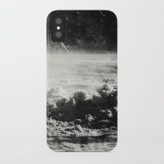 Somewhere Over The Clouds (I iPhone Case