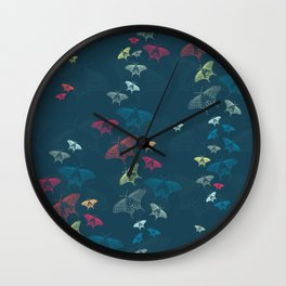 Nachtschwärmer – Fly by night Wall Clock